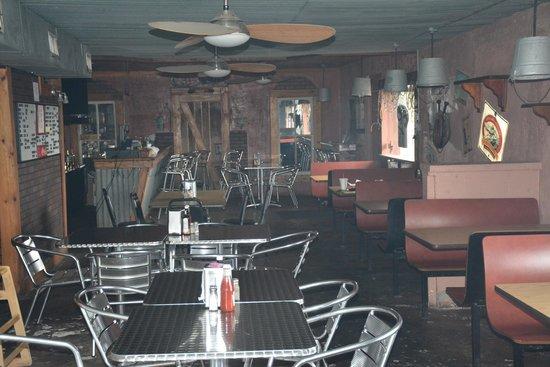 T-Boys Cajun Grill: Inside T-Boys