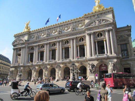 Opera district: париж