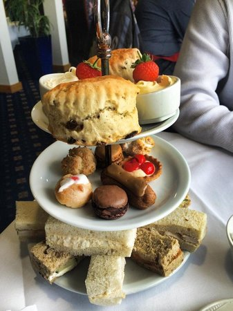The Cooden Beach Hotel : Full afternoon tea selection