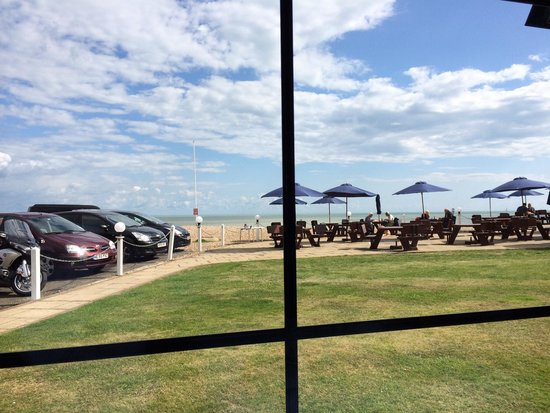 The Cooden Beach Hotel : Sea view