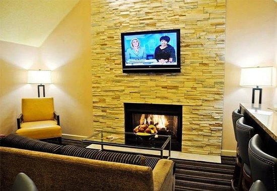 Residence Inn Detroit Troy/Madison Heights: Gatehouse Lounge