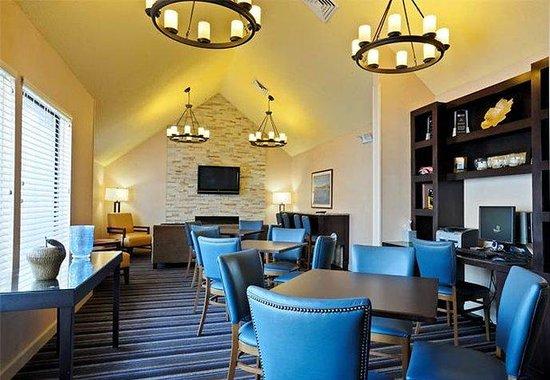 Residence Inn Detroit Troy/Madison Heights: Dining Room