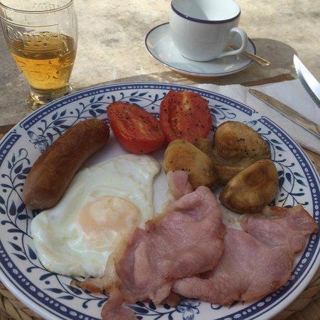 Anna Karistu Accommodation: Breakfast