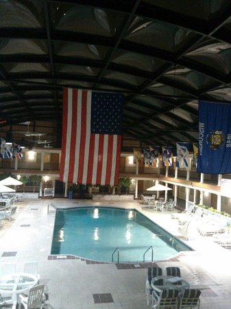 Best Western Green Bay Inn Conference Center : Pool view from second floor room