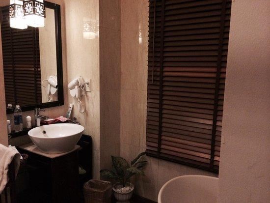 Long Life Riverside Hotel & Spa : Bagno 210