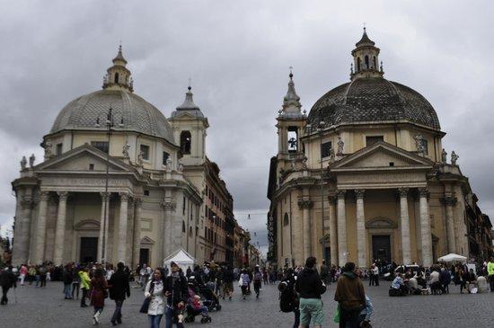 Roma Cristiana Hop On Hop Off Bus : церкви-близнецы на Пьяцца-дель-Пополо