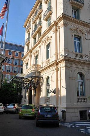 Hotel Vendome: l'esterno e il parcheggio