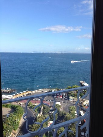 Grand Hotel Excelsior Vittoria : The view at breakfast.