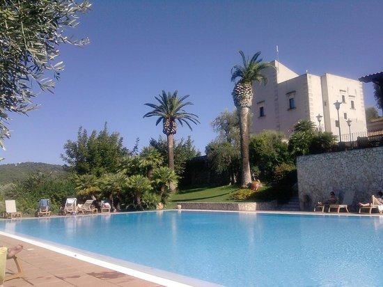 Agriturismo Torre dei Preti: la piscina