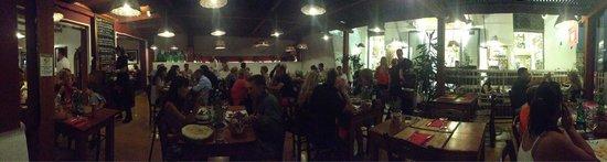 Inn Bufalito Taverna Mediterranea: Bufalito on a busy Thursday night.