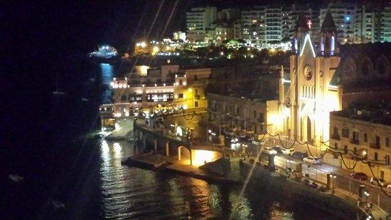 Le Meridien St. Julians: View at night
