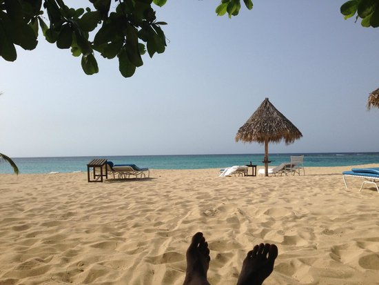 Jamaica Inn : View from cabana on beach