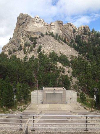 Mount Rushmore National Memorial : The Memorial
