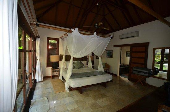 Mango Tree Villas: Villa Godok, chambre double