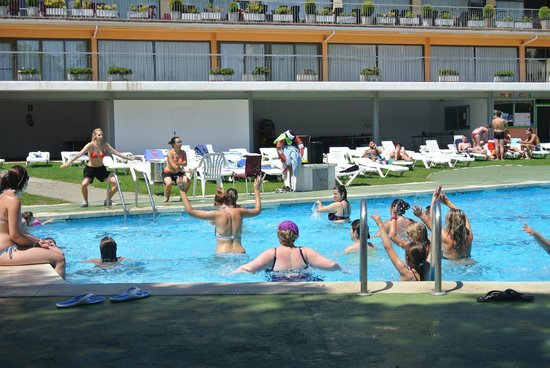 Hotel Samba : piscine pendant l'aqua gym