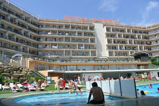 Hotel Samba: vue de la piscine