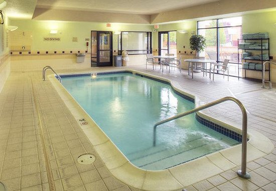 SpringHill Suites Billings: Indoor Pool