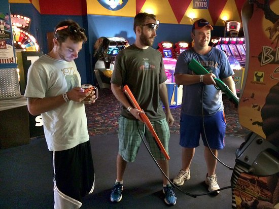 Skate Station FunWorks: Old kids become youngsters again.