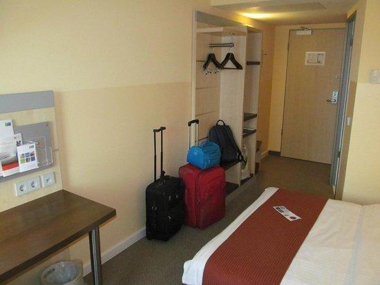 Holiday Inn Express Frankfurt-Messe: Particolare della camera