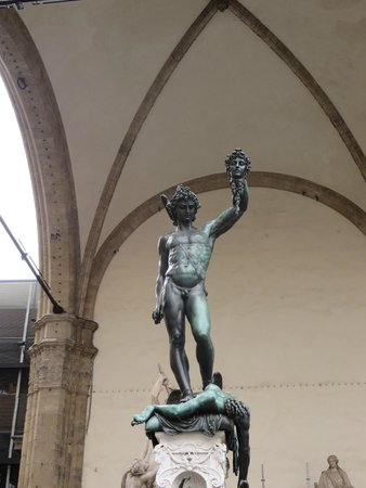 Plaza de la Señoría: Benvenuto Cellini's Perseus with the head of Medusa