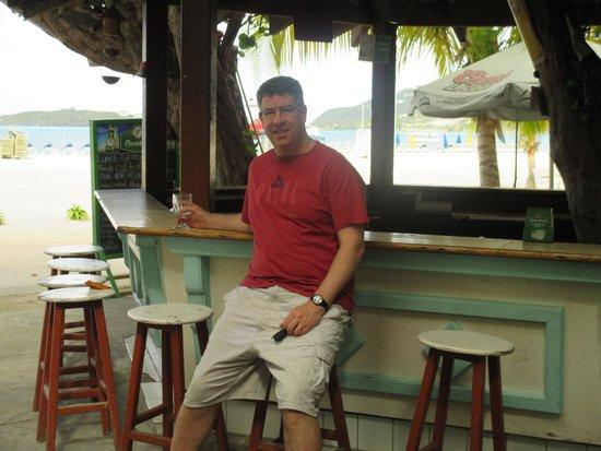 Pasanggrahan Royal Guesthouse: Beach bar!!