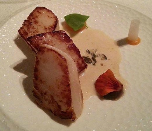 Andrew Fairlie @ Gleneagles: Scallops with a turnip veloute
