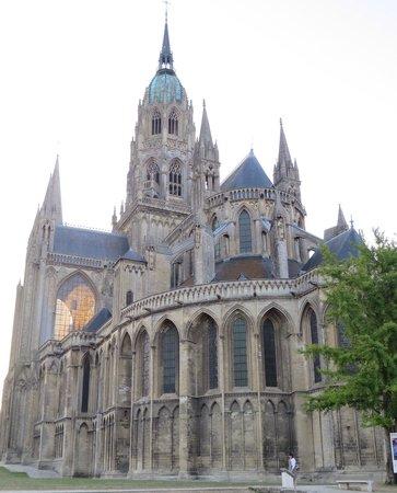 Hotel Le Bayeux: Cathédrale Notre-Dame de Bayeux