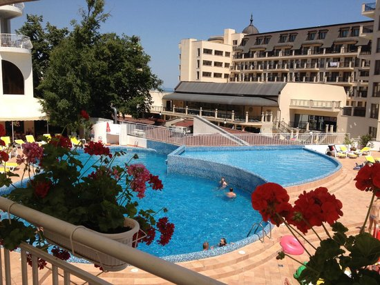Hotel Erma: View of the pool from the restaurants/lobby bars terrace