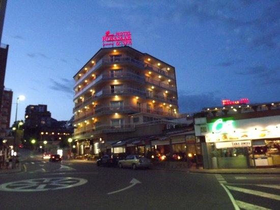Rosamar & Spa: night view