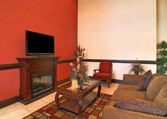 Baymont Inn & Suites Winston Salem: Lobby