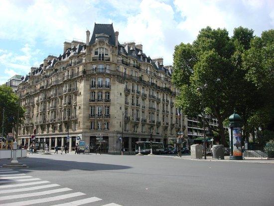Quartier Saint-Germain-des-Prés : Bd Raspail and Rue de Sevres (near Bon Marche)