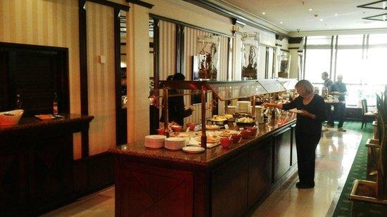 Moscow Marriott Grand Hotel: Buffet Desayuno