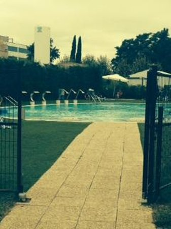 BAH Barcelona Airport Hotel : clean pool