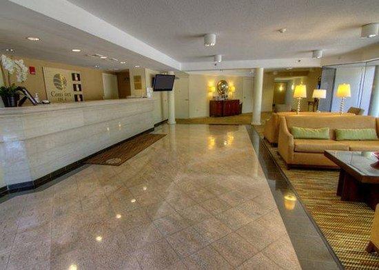 Comfort Inn Airport : RIFront Desk