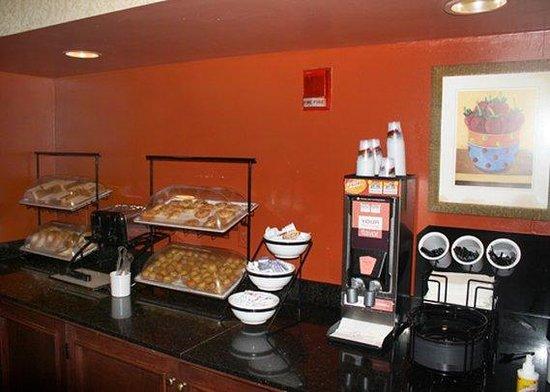 Comfort Inn Airport : Free hot Breakfast