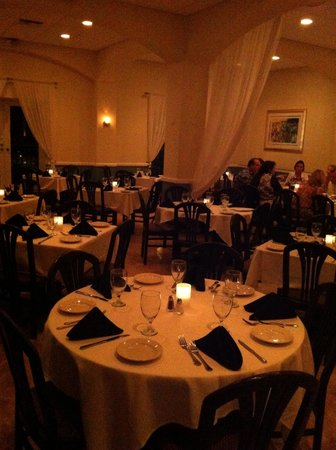 Acquo 124 : Family style restaurant