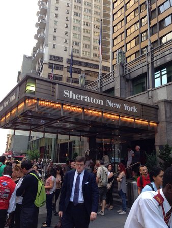 Sheraton New York Times Square Hotel : Very busy hotel!