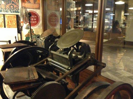 Hatch Show Print: Old Presses
