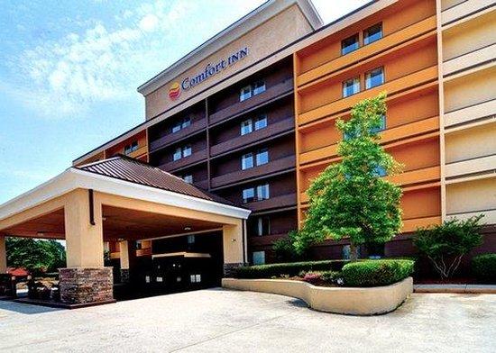 Comfort Inn University: Front Entrance