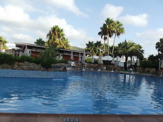 Catalonia Ses Estaques: Pool area, lovely but not large enough