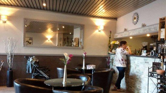 Restaurant la baie des anges dans saint mandrier sur mer for Restaurant st mandrier
