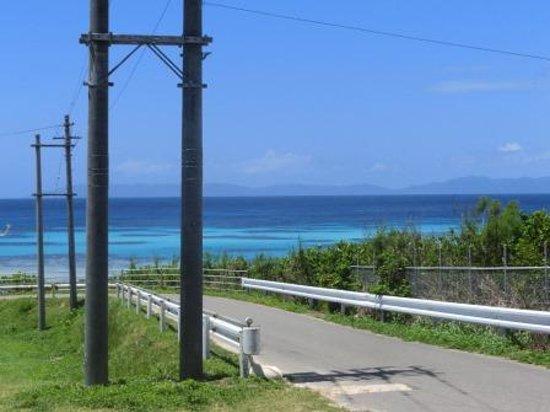 Nishihama Beach : ビーチに向かう道