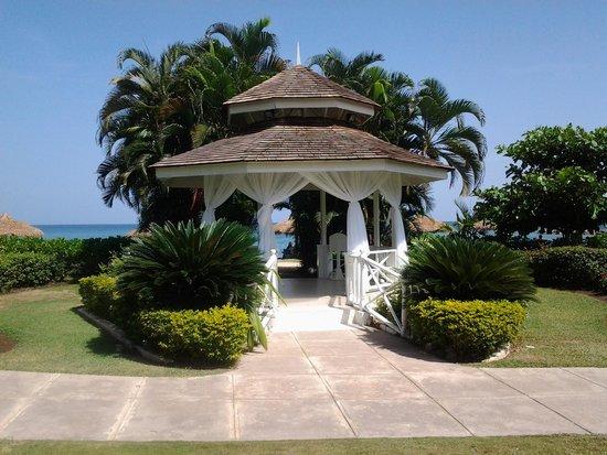 Sunscape Cove Montego Bay: Wedding gazebo