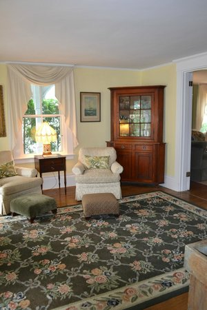 Jonathan Munroe House: Sitting Room