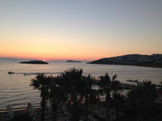 Grand Park Bodrum: Sunset from the roof terrace a la carte restaurant