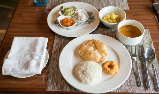 Radisson Blu Hotel Chennai City Centre: Nice breakfast