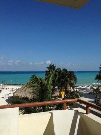 Ixchel Beach Hotel : View from 3rd floor suite