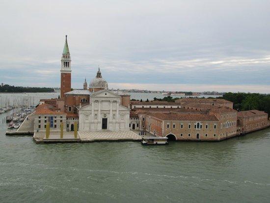 San Giorgio Maggiore : Ilha vista do Costa Fascinosa.