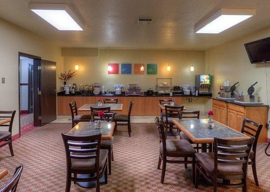 Comfort Inn Newport: Breakfast