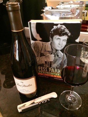 Fess Parker's Wine Country Inn and Spa: Fess Parker goodies